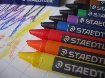 "STAEDTLER NORRIS CLUB WAX COLOURING CRAYONS - HALF SIZE  ""Pack of 16"""